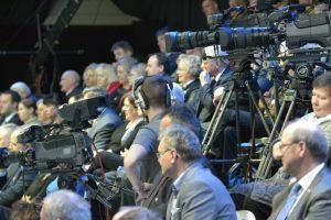 """publiczność w studio TVP3 Szczecin podczas Gali konkursu """"Dziennikarz Roku 2015"""""""