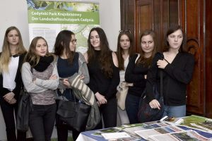 6. zespół uczniów podczas swojej prezentacji