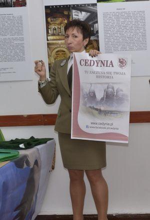9. Dyrektor Zespołu Parków Krajobrazowych w Szczecinnie Dorota Janicka podczas prelekcji