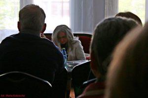 Beata Żółkiewicz-Siakantaris i uczestnicy spotkania