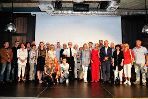 zdjęcie zbiorowe uczestników spotkania z Jackiem Trojanowskim