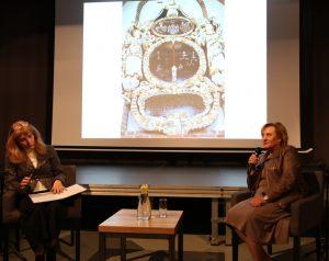 Prowadząca spotkania Anna Kolmer (po lewej) z Ewą Stanecką (po prawej) (2)