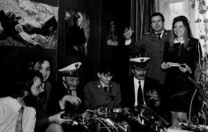 Jubileusz Studia Bałtyk, stoją: Jan Krzywda i Anna Kafel siedzą: Jarosław Dalecki, NN, Kazimierz Tomczyk, NN, Teodor Baranowski