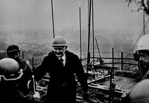 Zbigniew Puchalski na budowie wieżowca 1980 - 81