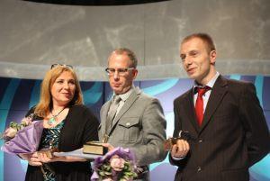 laureaci finału XXIII edycji konkursu Dziennikarz Roku 2013, od lewej: Katarzyna Wolnik-Sayna, Piotr Dziemiańczuk, Maciej Pieczyński