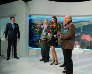 Paweł Wiśniewski i laureaci finału konkursu Dziennikarz Roku 2014, od lewej: Aleksander Doba, Anna Pawlak, Bogdan Twardochleb, Marek Rudnicki