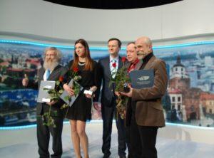 laureaci XXIV finału konkursu Dziennikarz Roku 2014 - od lewej: Aleksander Doba, Anna Pawlak, Paweł Wiśniewski - prowadzący Galę, Bogdan Twardochleb, Marek Rudnicki